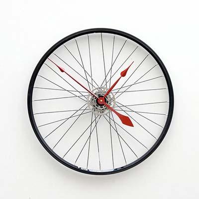 Uhr aus Fahrradreifen