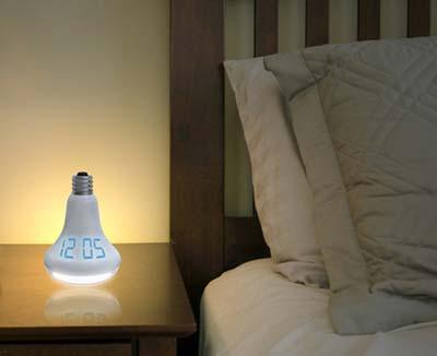 Uhr in Glühbirnen Optik