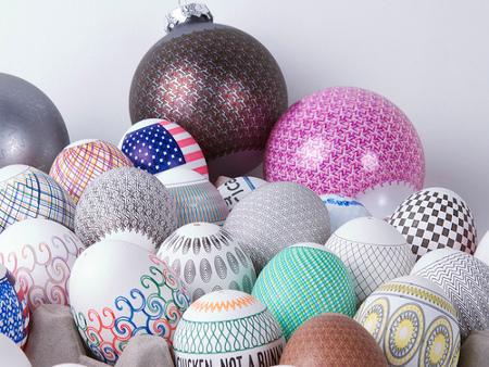 Der EggBot, ein kleinkarierter, voll automatischer Eier Bemaler